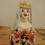 ポルトガルの陶芸家Sapateiroさんの女性のオブジェ