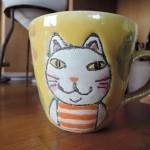 外山亜基雄さんの猫のマグカップ