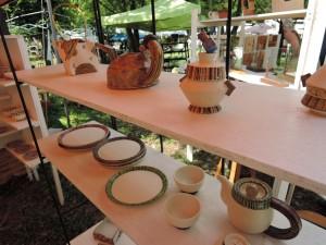 廣川みのりさんのシンプルな装飾の食器作品