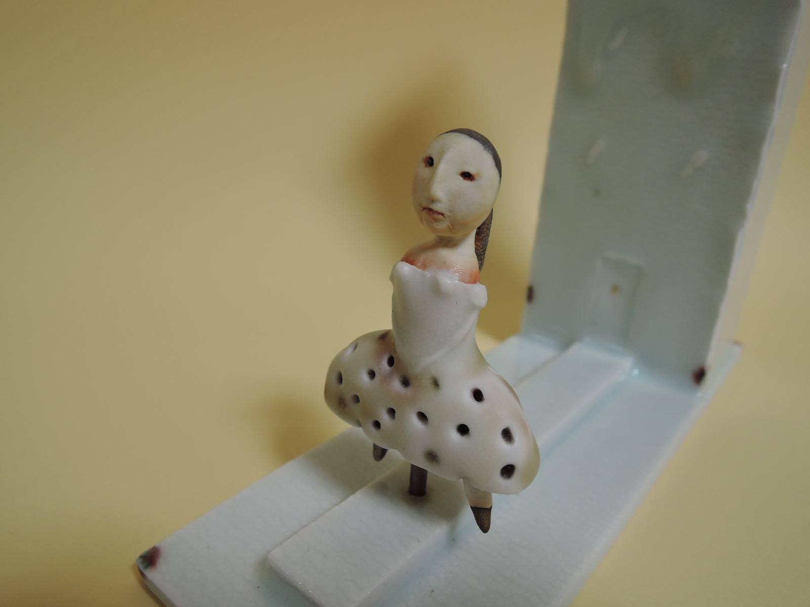 松永泰樹さんの作品 佇む女性の花入れ