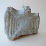 前川幸市さんの陶製オブジェ しましまの町のムササビ