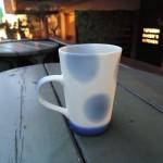 島崎小乙里さんのブルーなマグカップ