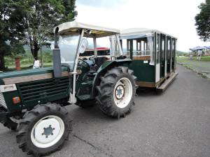 帰りに乗ったトラクターバス