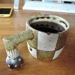 阿部誠さんの市松模様のマグカップ