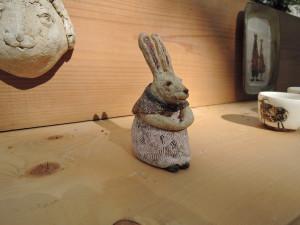 小峰美省さん ウサギのオブジェ