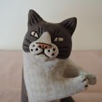 かとうゆみさんの陶器人形 猫のカード立て