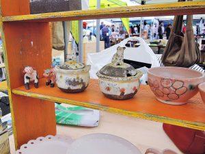 ぺくにょんすさんの陶器人形の展示風景