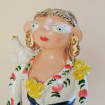 ポルトガル陶器 Irene Salgueiro作品 巡礼祭の女性