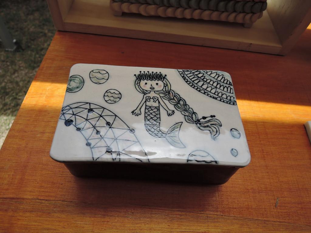 高橋由紀子さんの飾り小箱