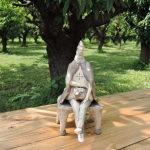 門脇美香江さん木陰で休む友人