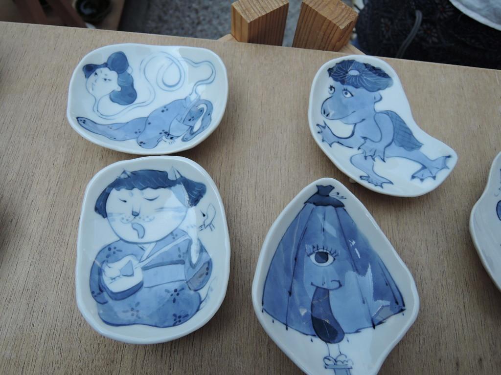 小野田康子さんのかわいらしい絵皿