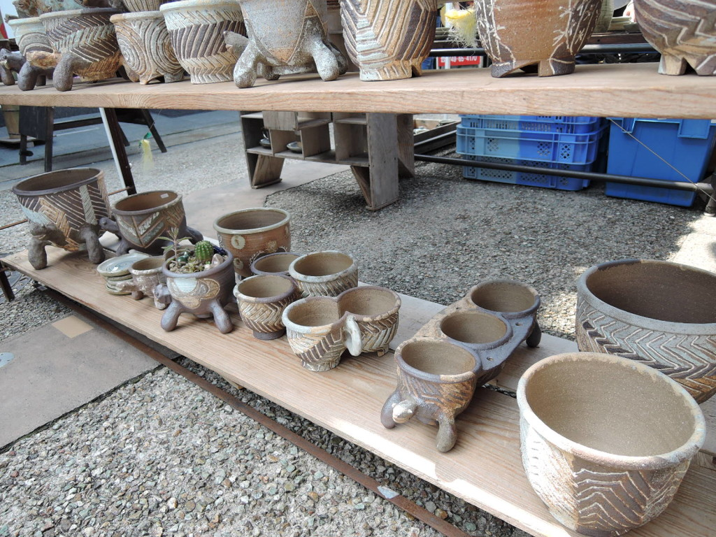 上田英二さんの作品鉢様々