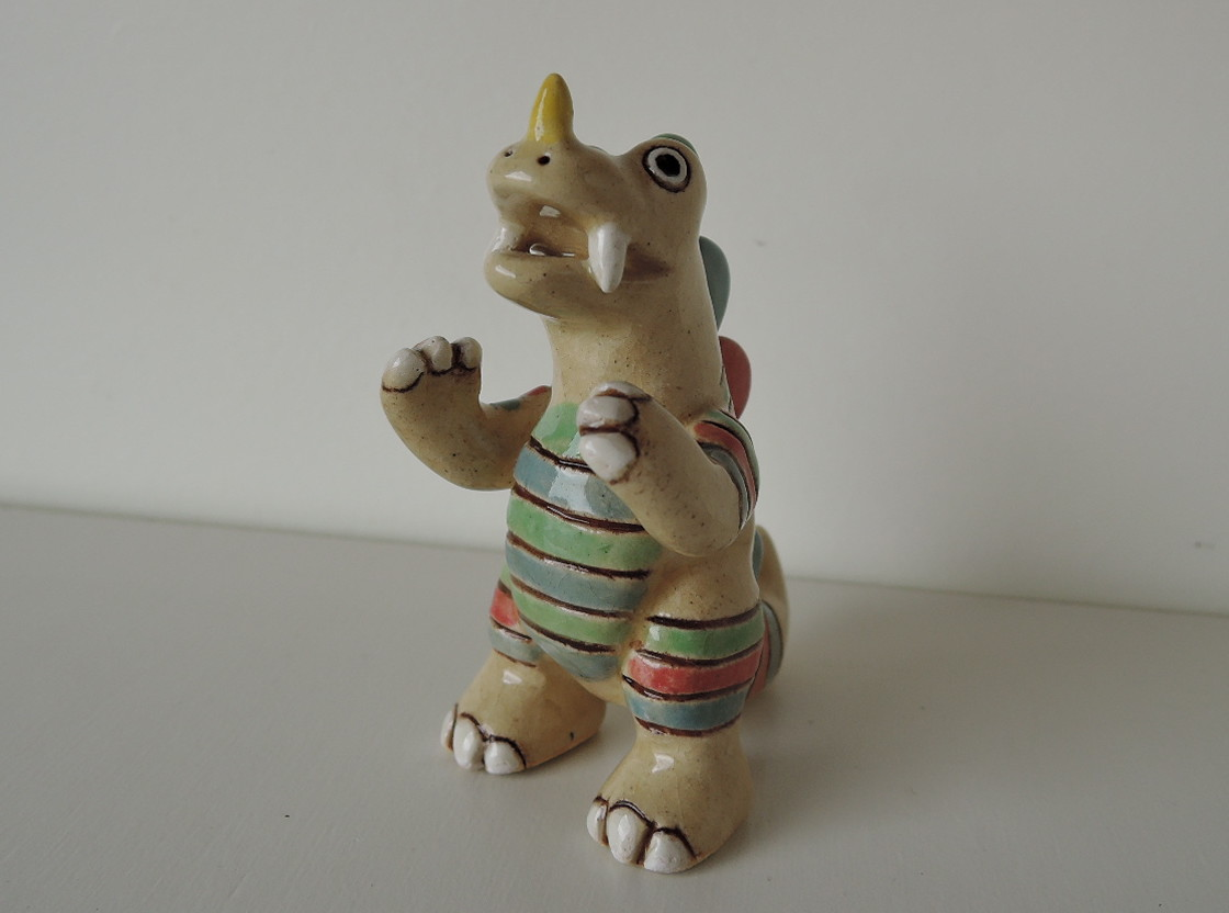 kuuさんの怪獣陶人形
