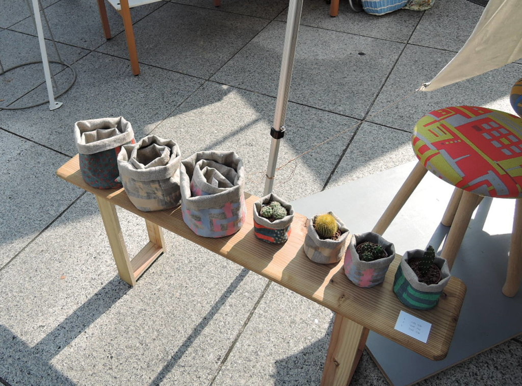 2TONEさんのブース作品 カラフルな布鉢