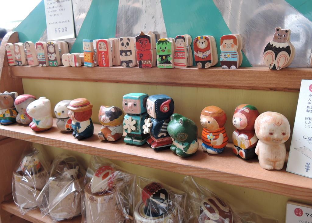 ハニカミヤさんのブースから木工玩具