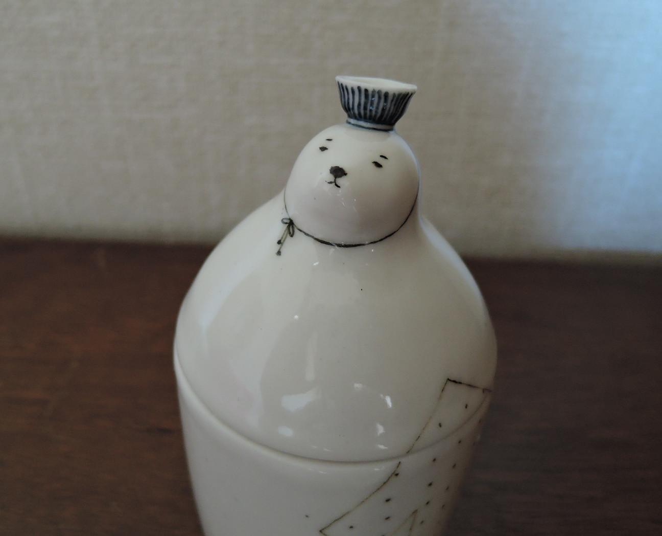 凸凸製作所さんのイヌの陶器人形