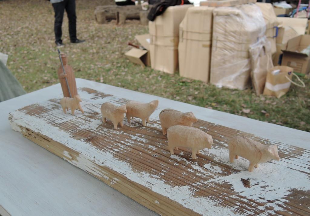 造形作家沢田英男さんのブースに並ぶ作品