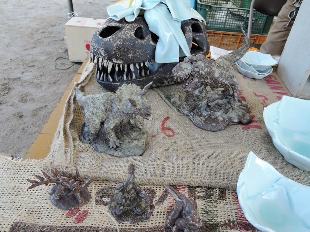 伊藤たかをさんの恐竜の陶作品