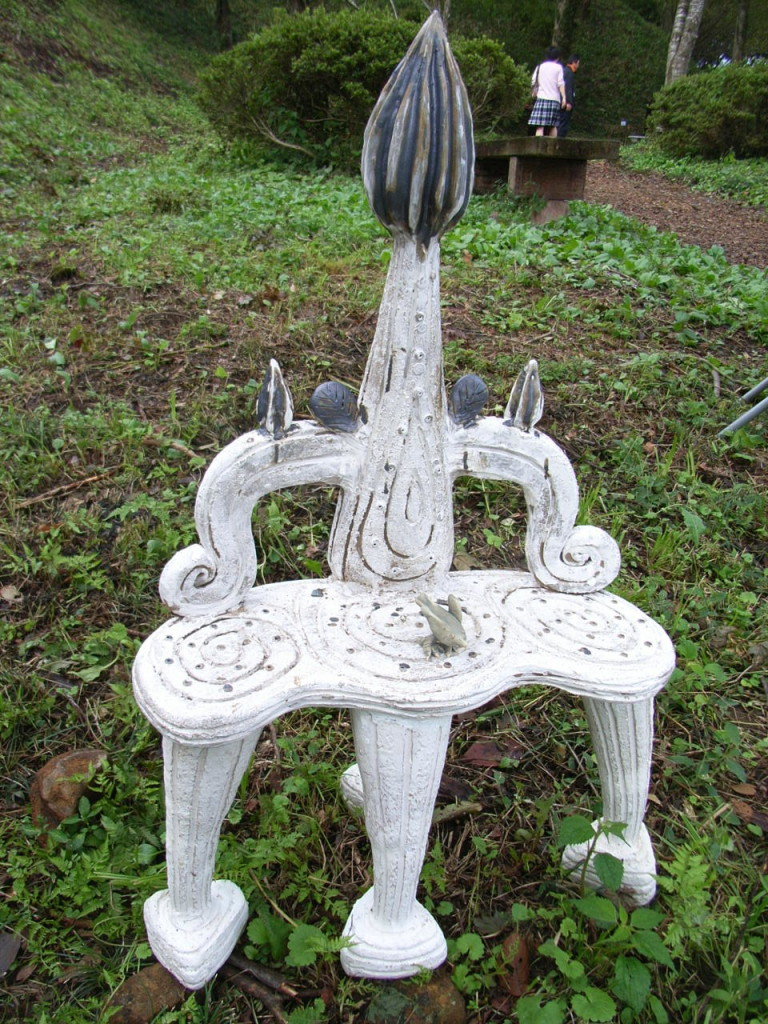 おぬきなつさん精霊たちのすわる椅子