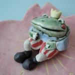 美幸ひなたさんの桜の香にカエルの王様ウットリ