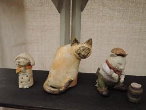 桜井ケンイチさんのブース 猫のオブジェ