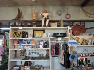 海猫堂さんの店内風景