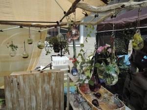 牧野善昭さんの植物が涼し気なガラス作品