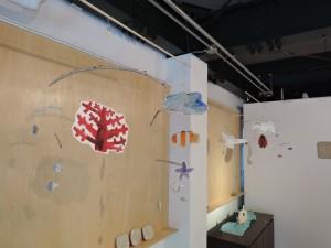前川幸市さん陶展「海のかけら」絵本のような作品展示