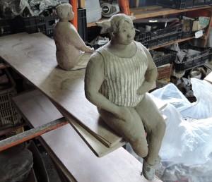 門脇美香江さんの陶房で。大きな女性像