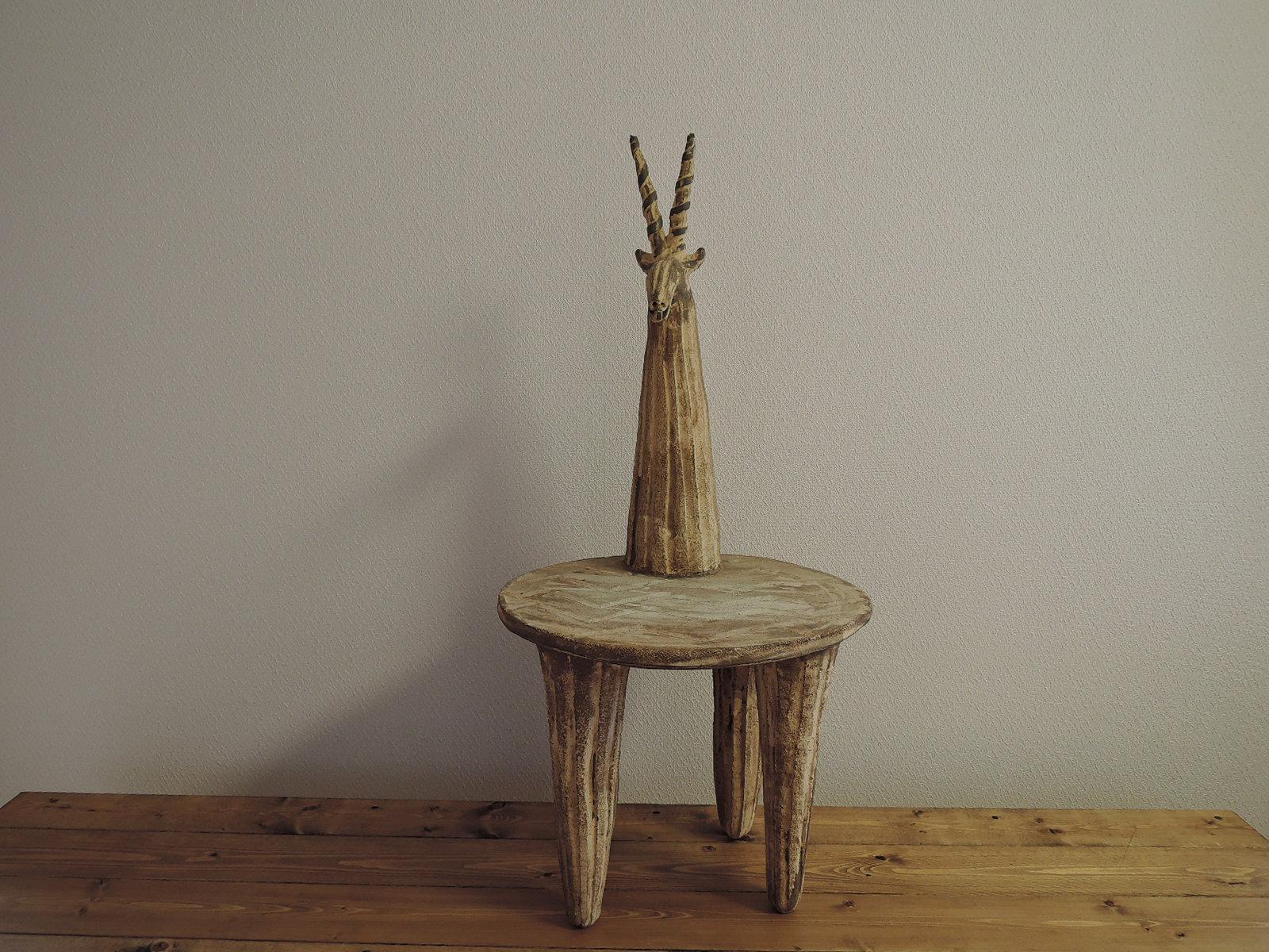 おぬきなつさん トムソンガゼルの椅子