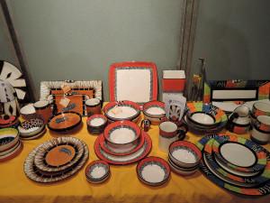 南アフリカの色鮮やかな陶器