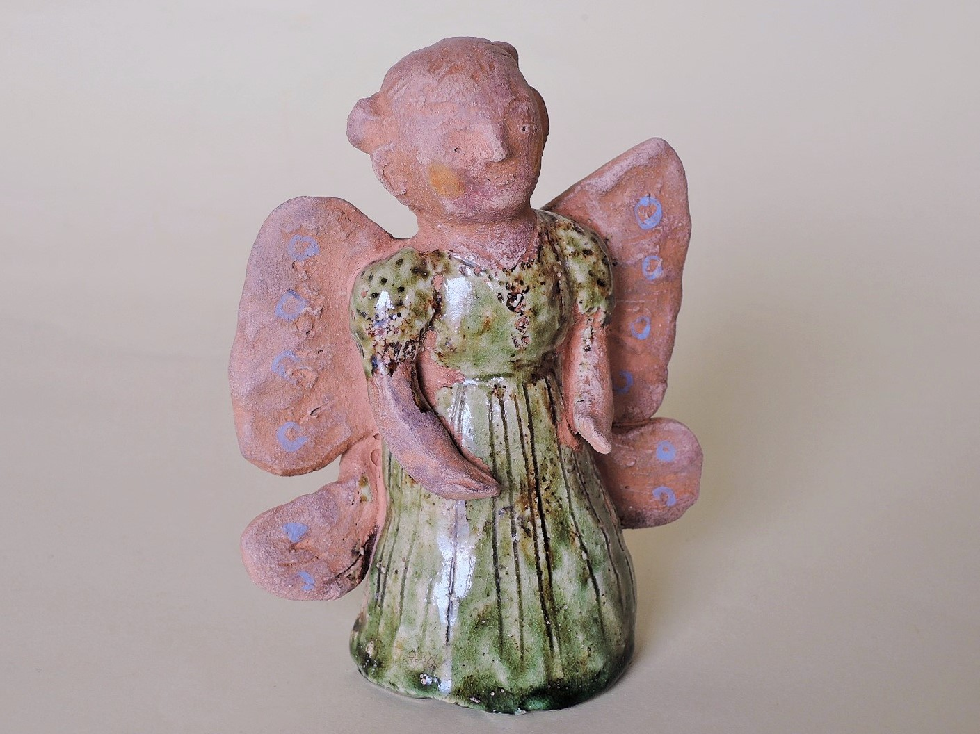 濱比嘉詩子さんの陶人形 蝶々