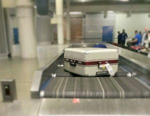 ポルト空港で荷物の2つ目受取