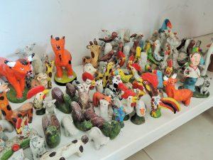 動物作品が集まった棚