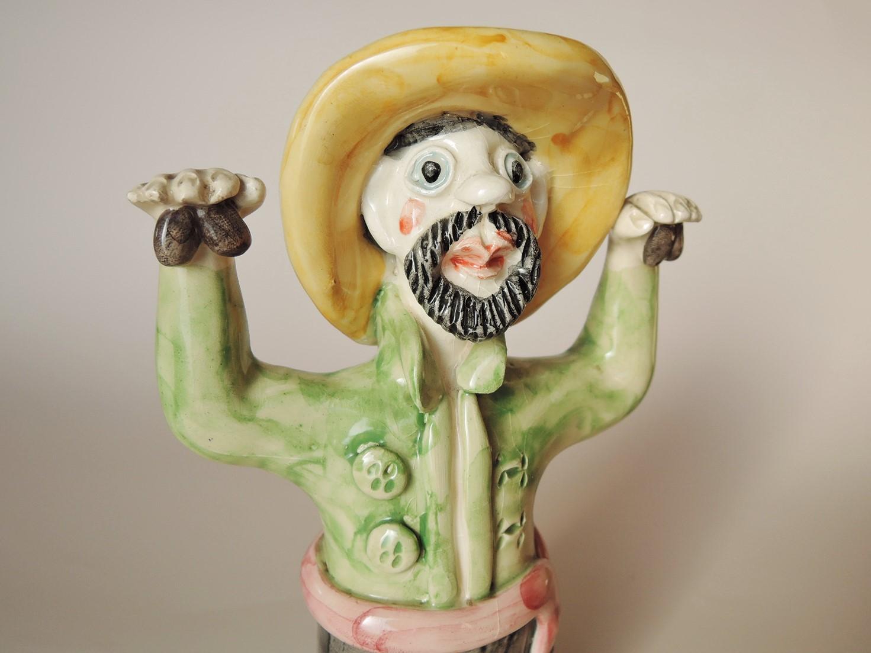 Conceicao Sapateiro(ポルトガル)陶器人形 カスタネットを鳴らす男